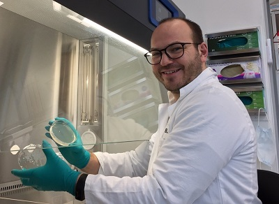Dr Michael Zimmerman in his laboratory